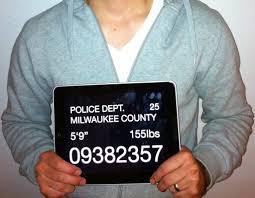Noticias criminología. El negocio de sitios web con fotos de arrestados. Marisol Collazos Soto