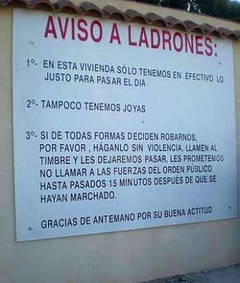 Noticias Criminología. Humor, aviso a los ladrones. Marisol Collazos Soto