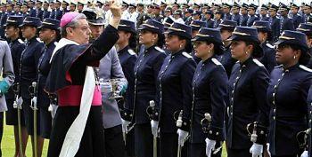 Noticias criminología. Policía nacional de Colombia violando la Constitución. Marisol Collazos Soto