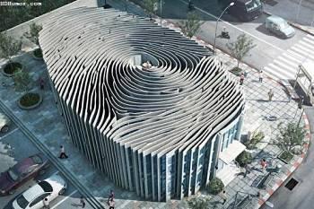 Noticias criminología. Curioso edificio en Tailandia, como una huella dactilar. Marisol Collazos Soto