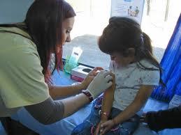Noticias criminología. Un juez impone la vacuna del sarampión a 35 niños de Granada. Marisol Collazos Soto