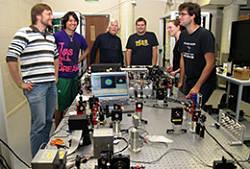 Actualidad Informática. Nuevo récord en comunicaciones cuánticas. Rafael Barzanallana