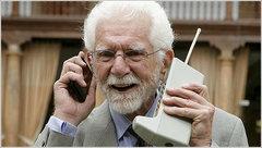 Actualidad Informática. 40 aniversario de la primera llamada mediante un teléfono móvil celular portátil. Rafael Barzanallana. UMU