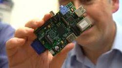 Actualidad Informática. Crean una supercomputadora con 64 placas de bajo coste Raspberry Pi y piezas de Lego. Rafael Barzanallana. UMU