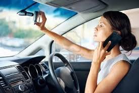 Actualidad Informática. El uso del móvil al volante equivale a conducir ebrio. Rafael Barzanallana. UMU