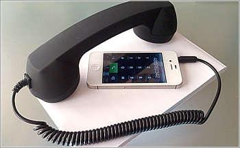 Actualidad Informática. Teléfono convencional para iPhone. Rafael Barzanallana