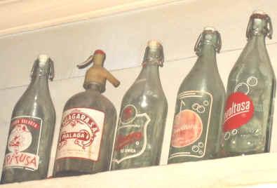 Botellas gasesosa antiguas. Toca Comer. Marisol Collazos Soto